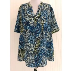 Maggie Barnes 1X Button Down Blouse Floral V-Neck